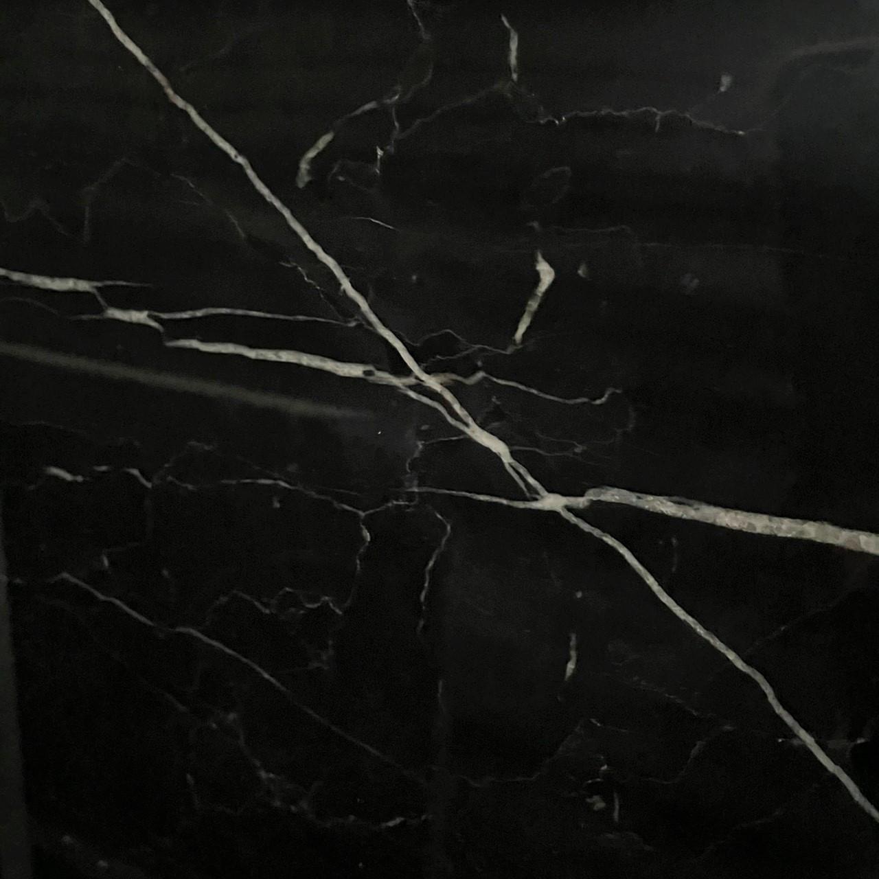 ✔ 別名:黑雲石、黑鑽、閃電石 ✔ 表面處理:亮面、仿古面 ✔ 原石產地:中國 ✔ 適合施作:檯面、牆面、地坪